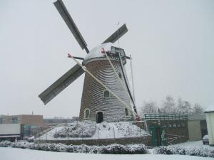 De Zuidmolen in de sneeuw